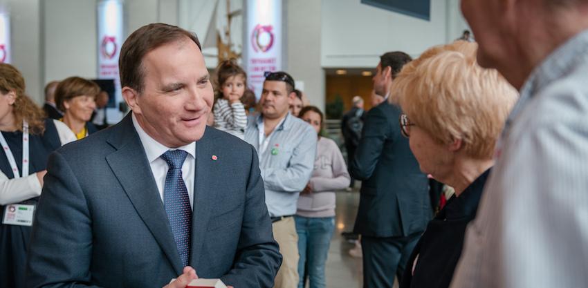 Stefan Löfven (Socialdemokraterna) vill satsa på Cancervården
